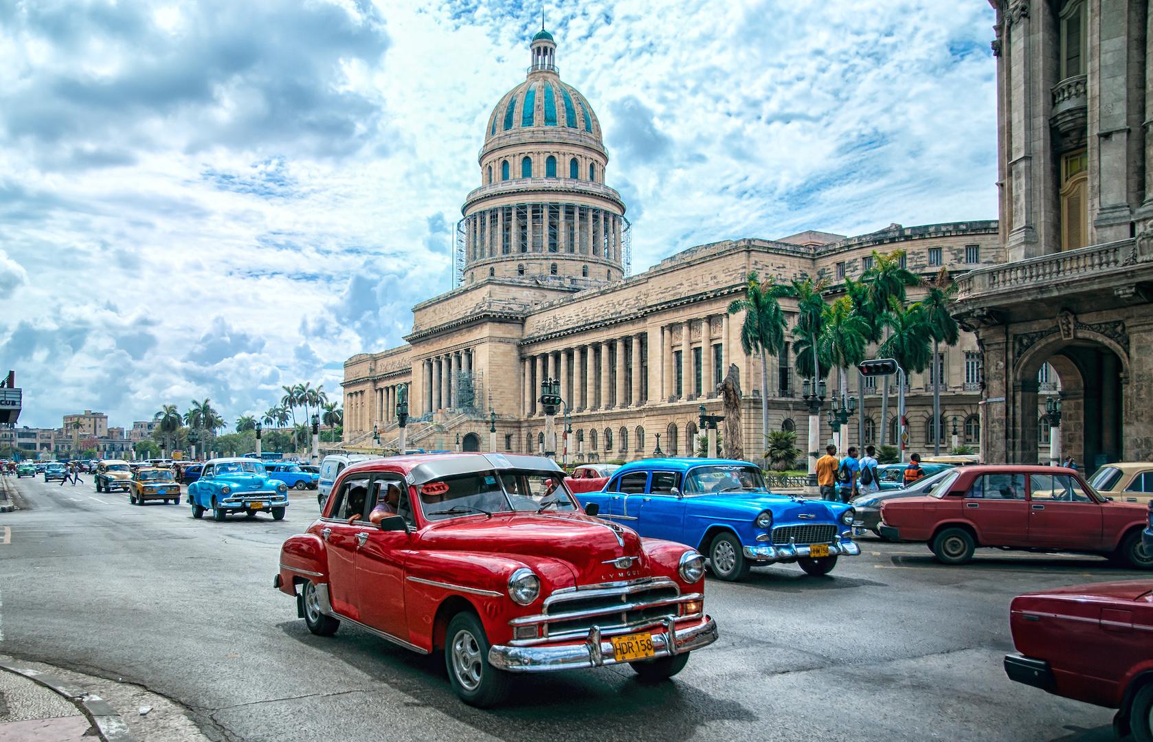 Дорожное движение в Гаване (Куба)